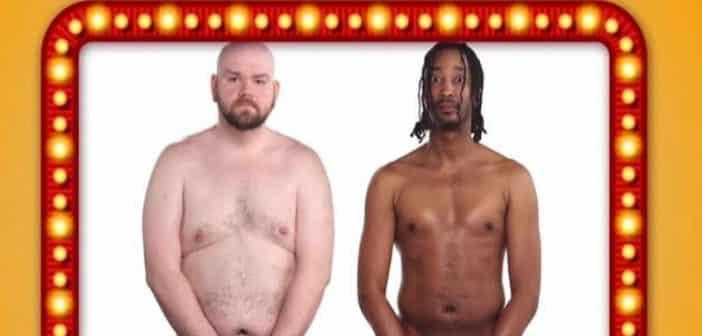 4 hommes se mettent nus pour comparer la taille de leur pénis