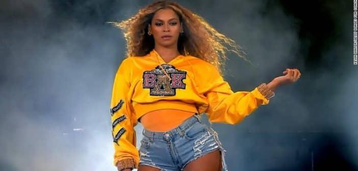 Beyoncé : Son incroyable robe de mariée pour le renouvellement de ses vœux-Photo