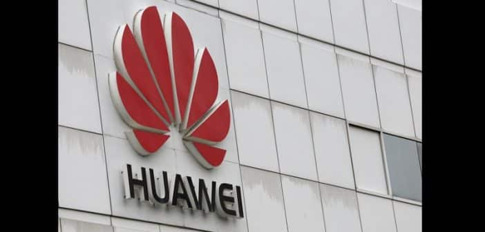 Huawei punit deux de ses employés pour un tweet