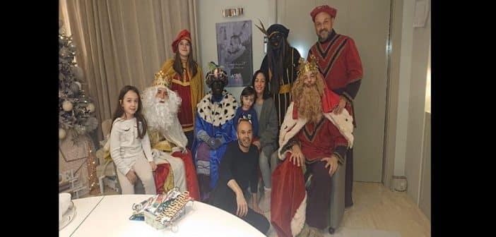 Iniesta partage une photo avec des personnes « en Blackface », la toile en colère!