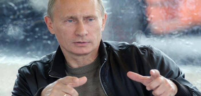 Russie: Vladimir Poutine dévoile enfin son grade militaire