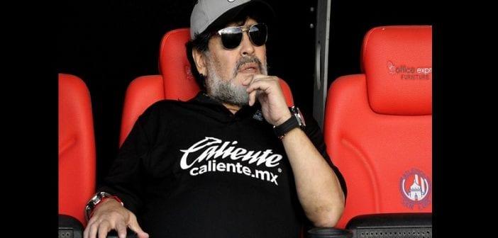 Diego Maradona atteint de la maladie d'Alzheimer ? L'Argentin réagit ! (vidéo)