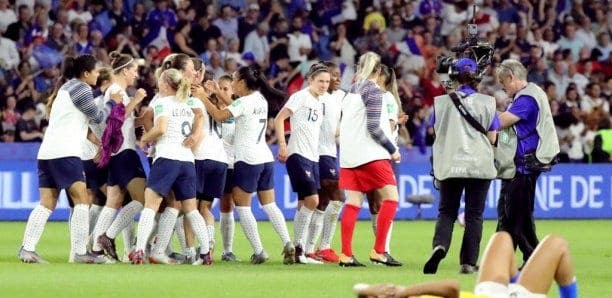 Mondial 2019,la France ,victorieuse 2 1 , Brésil , Huitièmes De Finale