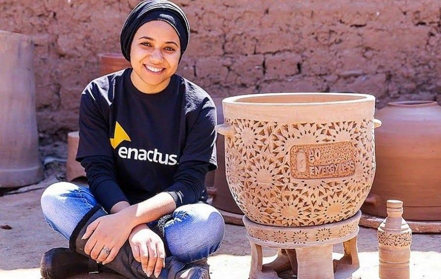 Un Réfrigérateur Sans électricité, Naturel En Argile Désormais Possible Grâce à Une étudiante Marocaine De 23 Ans