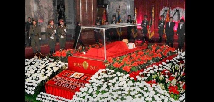 Corée du Nord : Kim Jong-un dépenserait 400 000 dollars pour garder le corps de son père gelé dans la glace