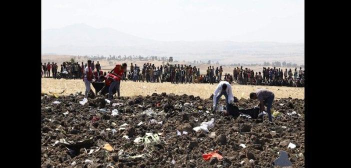 Crash des 737 MAX : Boeing s'engage à verser 100 millions de dollars aux familles des victimes