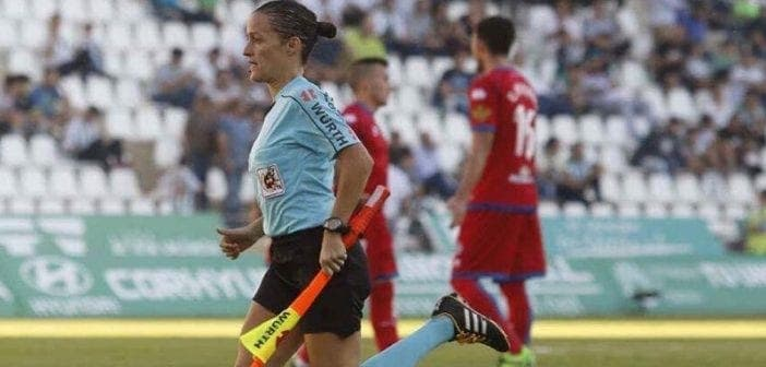 Football , Première Fois, Une Femme, Arbitrer , Liga