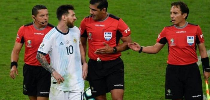 """""""Ils n'ont pas arrêté de siffler des conneries pendant cette Copa America"""": Messi s'en prend aux arbitres"""