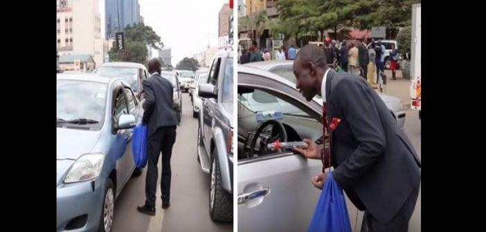 Kenya : Un banquier démissionne pour vendre des crayons dans la rue (vidéo)