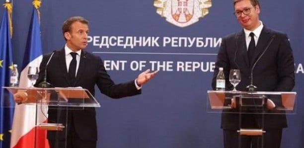Kosovo: Macron annonce une réunion dans les prochaines semaines