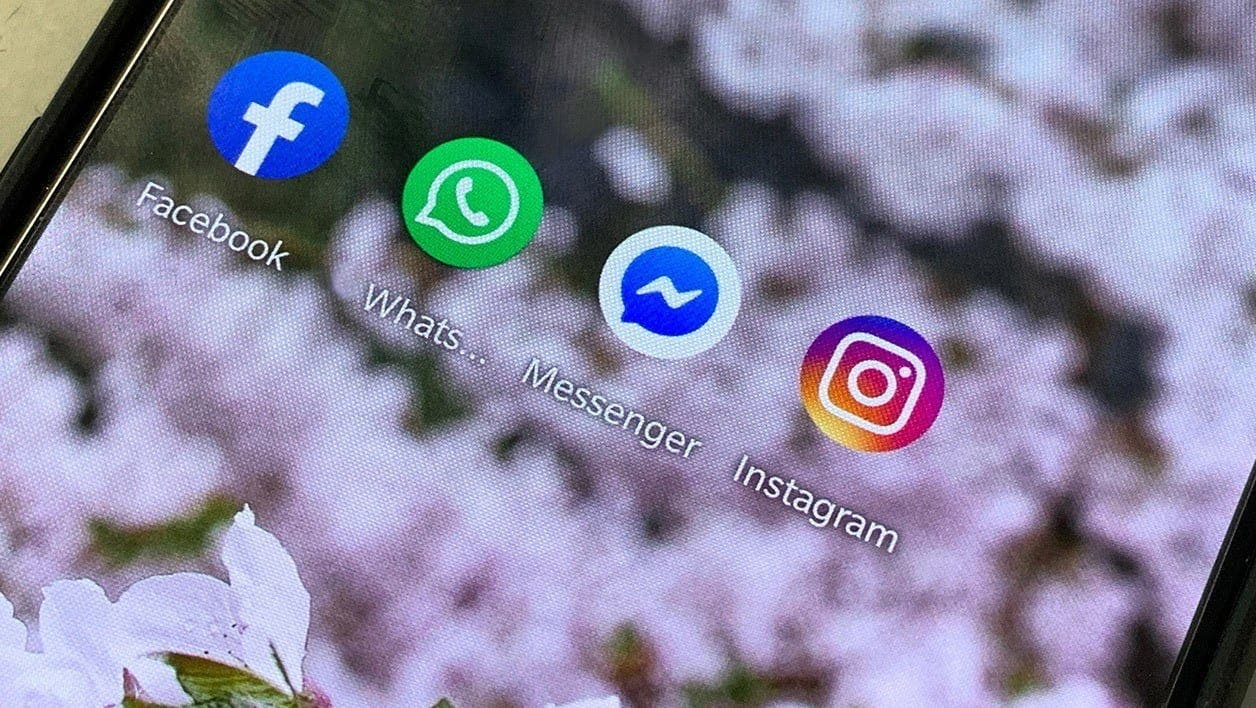 Whatsapp, Instagram, Messenger,une Panne Touche , Facebook
