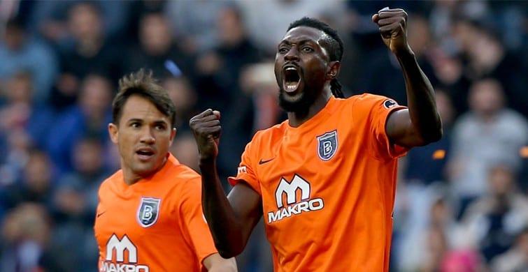 Emmanuel Adébayor est annoncé au West Ham