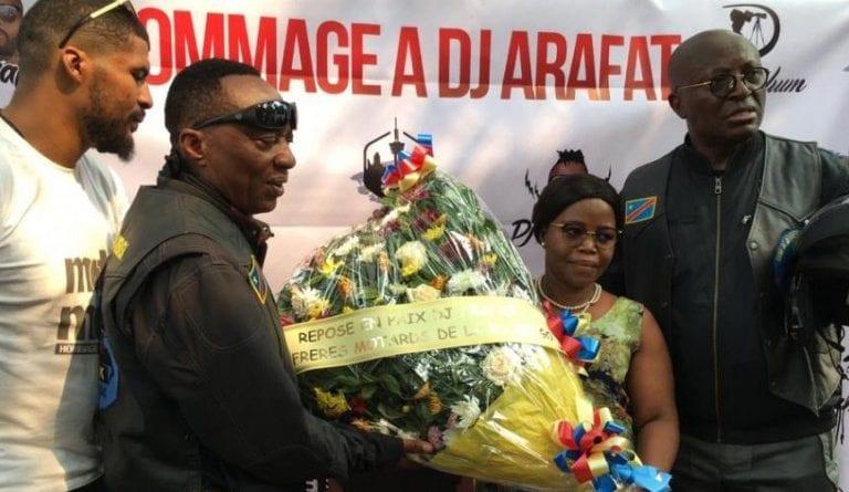 Couper décaler: Des motards congolais rendent hommage à Arafat DJ