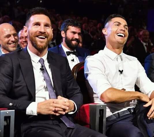 Lionel Messi et Cristiano Ronaldo très complices lors de la remise des prix UEFA à Monaco