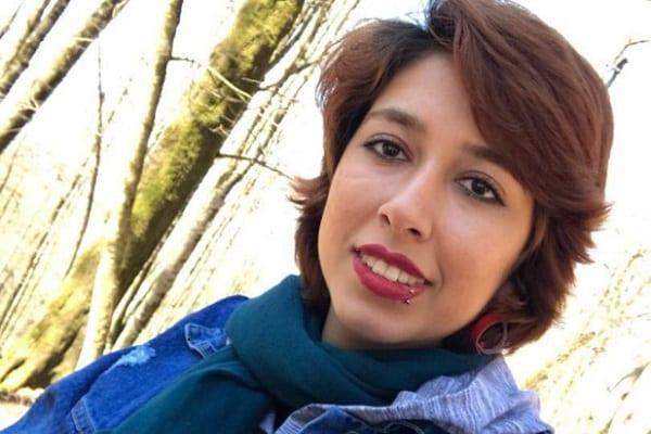 Iran : une femme condamnée à une lourde peine de prison pour avoir ôté son voile en public