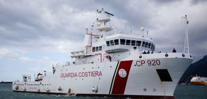 Méditerranée, 121 Migrants,bloqués D, Navire , Ong