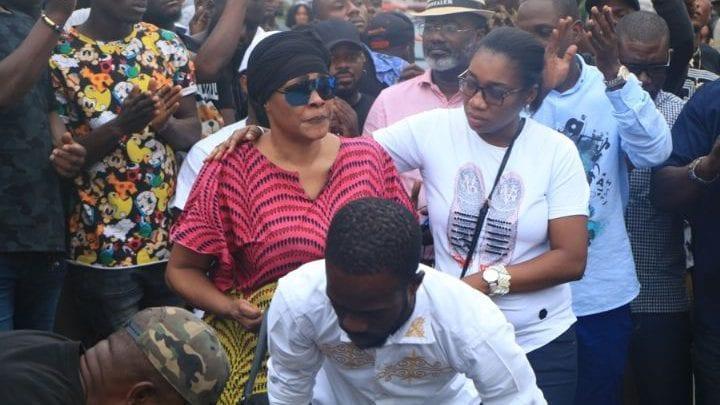Trainée dans la boue après la mort de son fils DJ Arafat, Tina Glamour craque et répond aux Ivoiriens