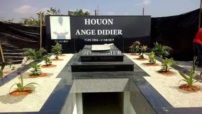 Le corps DJ Arafat profané après son enterrement