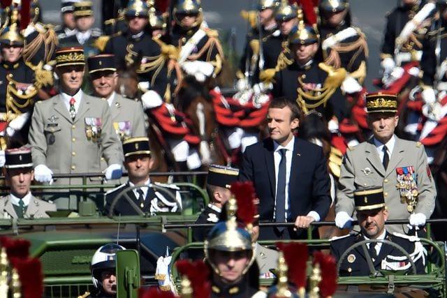 Le President Emmanuel Macron Et Le Le Chef D Etat Major Des Armees Le General Pierre De Villiers A Bord D Un Command Car Ouvrent Le Defile
