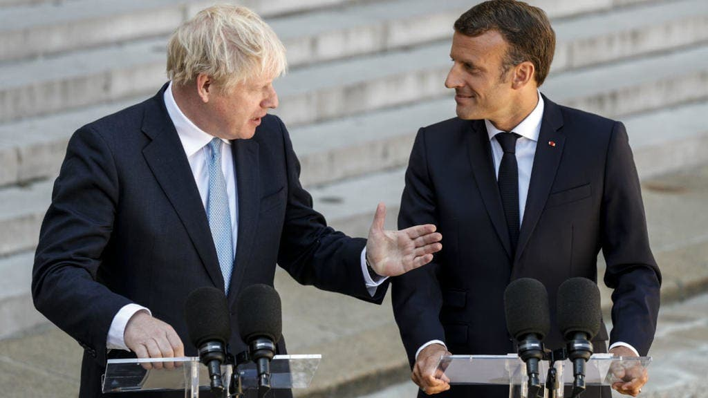 France: Boris Johnson a-t-il posé ses pieds sur une table basse de l'Elysée?