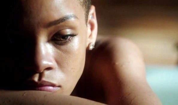 Rihanna en deuil: Elle perd une figure parentale très proche