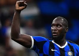Football : Romelu Lukaku  répond aux critiques de Gary Neville
