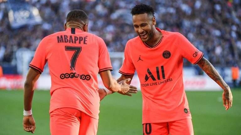Neymar a insulté Mbappé dans les vestiaires