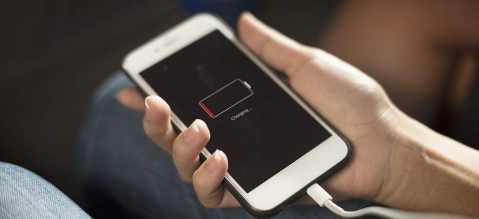 Société : La batterie de votre téléphone guide vos attitudes sociales