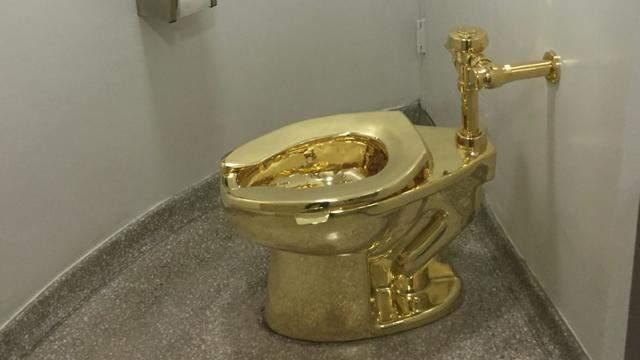 Angleterre: Un pot de WC en or massif volé dans un palais