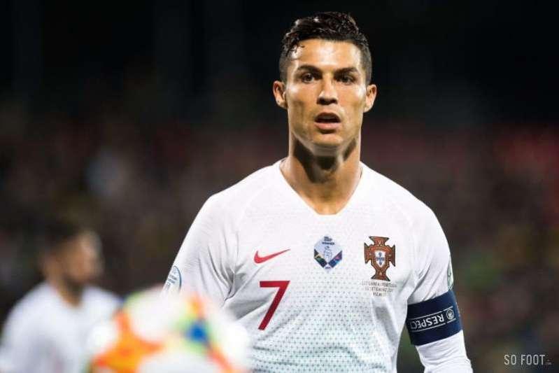 Football : Cristiano Ronaldo, meilleur buteur des qualifications à l'Euro