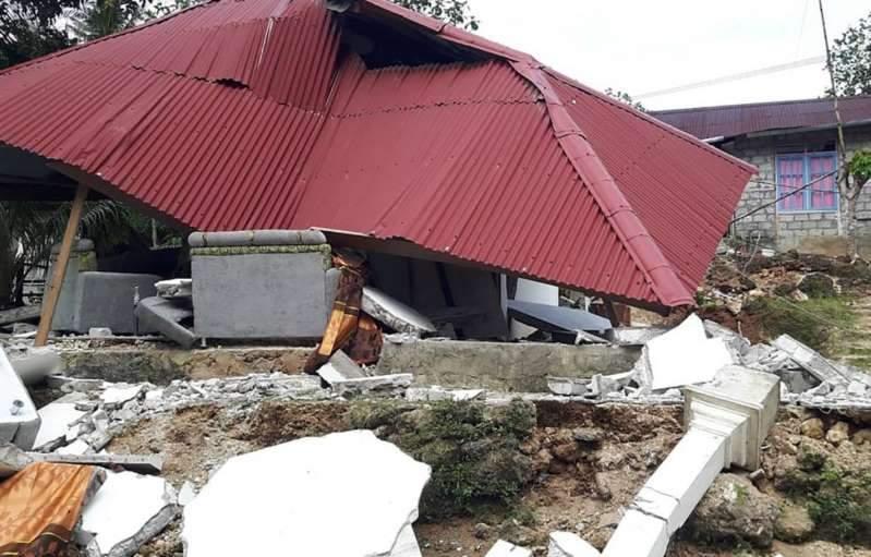 Indonésie : le bilan s'alourdit après le séisme
