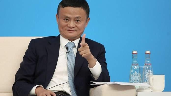 Chine : le richissime Jack Ma détrôné par un vendeur d'eau