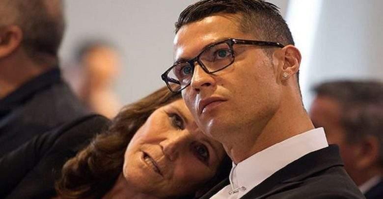 Cristiano Ronaldo interdit à sa mère de regarder des matchs de football…la raison
