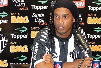 Brésil: Privé de son passeport, Ronaldinho devient  ambassadeur du tourisme