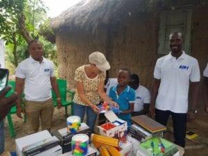 L'AIPJ distribue des kits scolaires à Togokomé Kpota