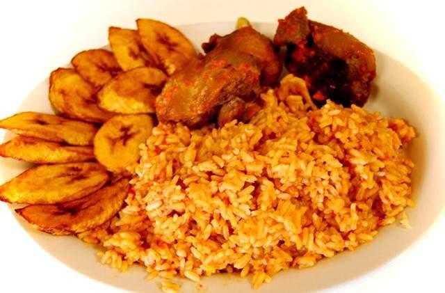 BN Cuisine: Regardez Sisi Yemmie  prepare les plats Jollof, Asun & Dodo