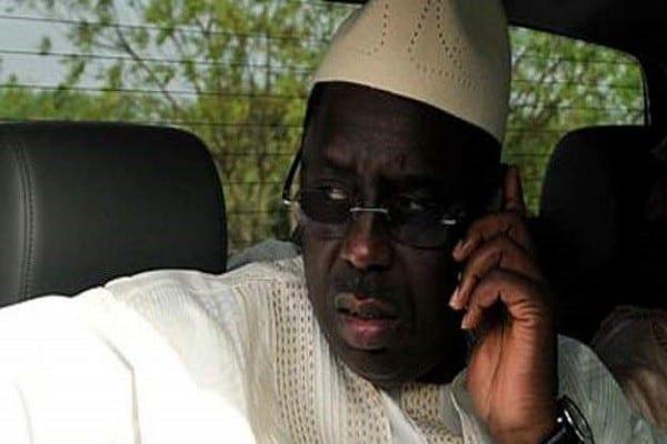 Sénégal : le président Macky Sall met fin aux forfaits illimités téléphoniques des ministres