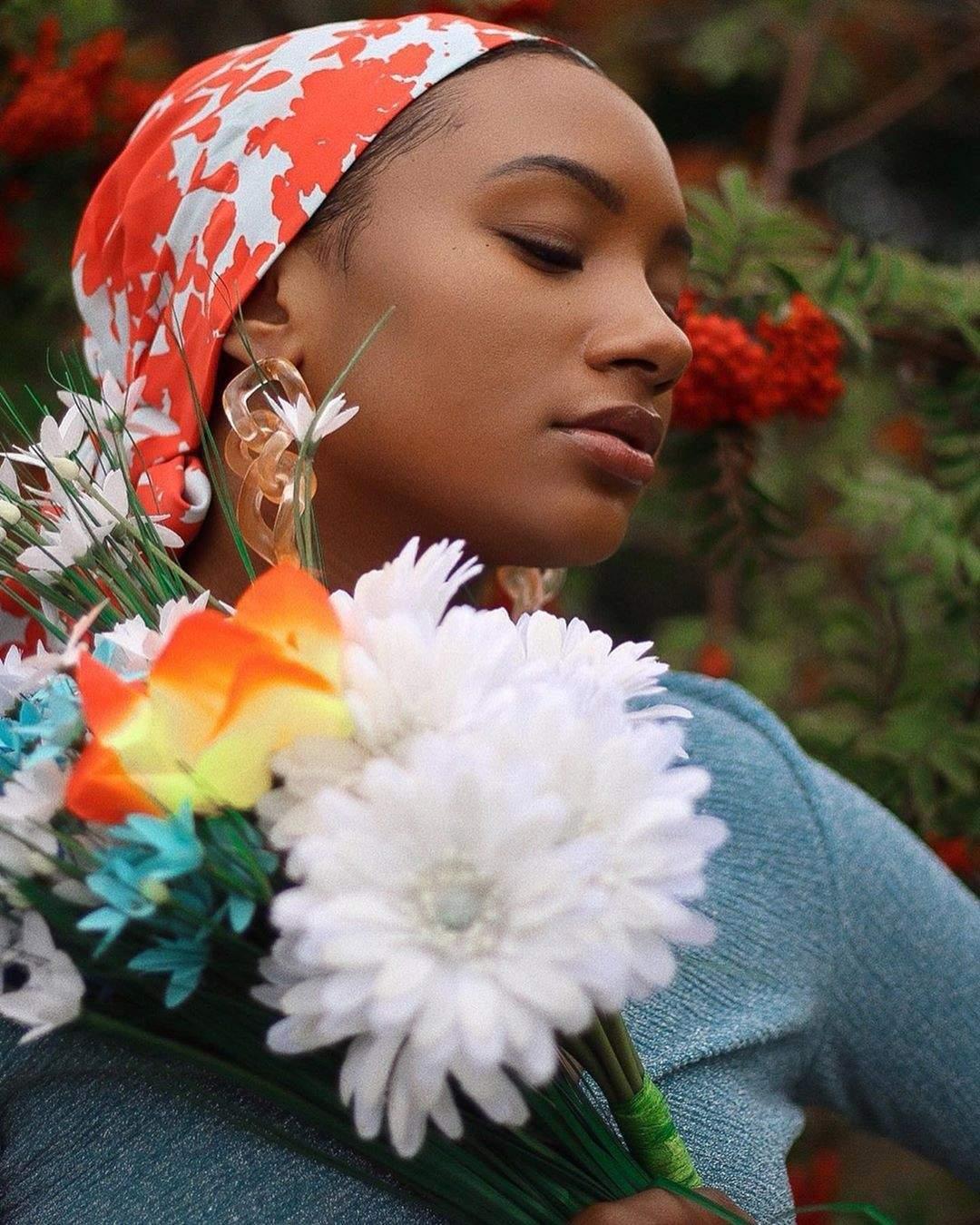 Photos de la belle Temi Otedola dans son jardin