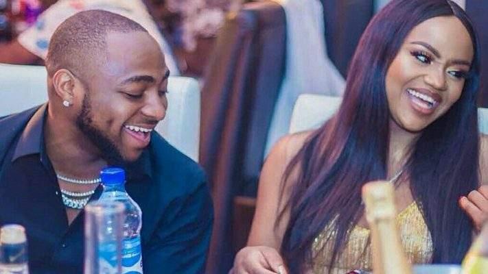 « Tu ne rirais pas avec moi si je n'avais pas d'argent », dixit Davido à sa fiancée