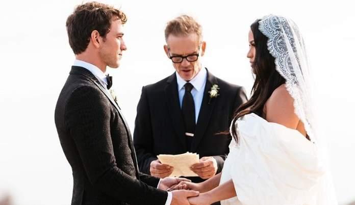 Un mois après ses fiançailles, Cassie se marie avec son nouveau chéri Alex Fine