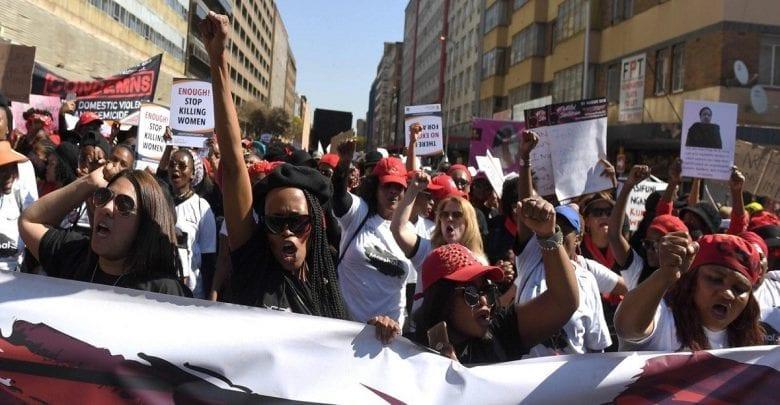 Une femme est assassinée toutes les trois heures en Afrique du Sud selon Bloomberg