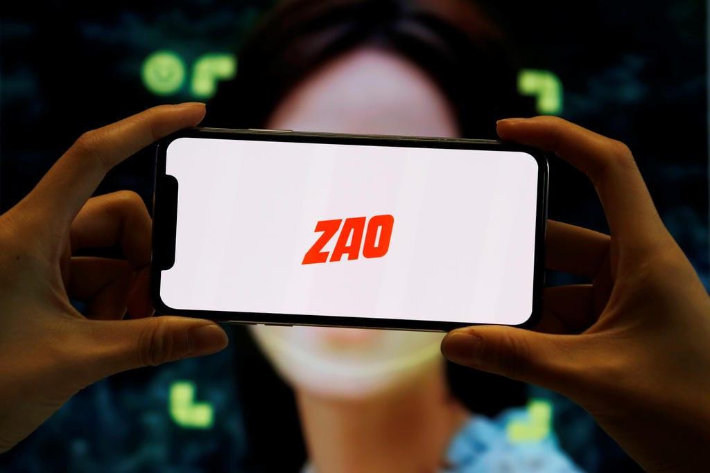 Chine : Zao, la nouvelle application virale qui suscite des inquiétudes