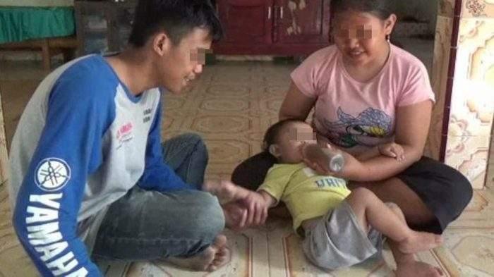 Un bébé boit 1,5 L de café par jour car ses parents n'ont pas les moyens d'acheter du lait