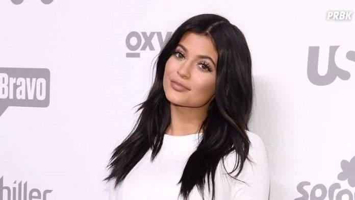 En manque de sex-Toy, Kylie Jenner s'en prend à sa soeur.