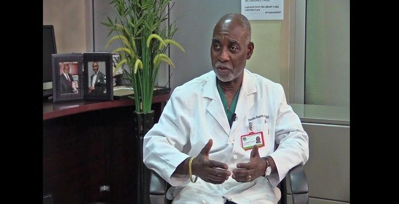 Boachie-Adjei : le chirurgien ghanéen qui soigne gratuitement les bossus