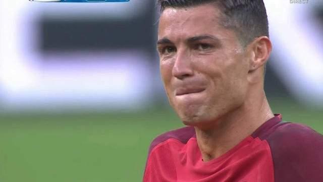 Cristiano Ronaldo verse des larmes en parlant de son père décédé