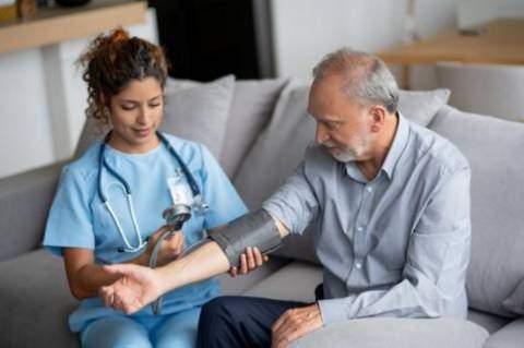 Santé : 3 astuces  naturelles pour réduire l'hypertension artérielle