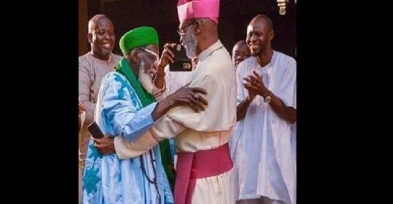 Ghana: le chef des imams et celui des prêtres catholiques jouent une pièce de théâtre ensemble