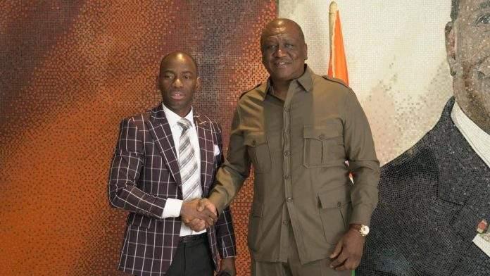Hamed Bakayoko reçoit le général Camille Makosso