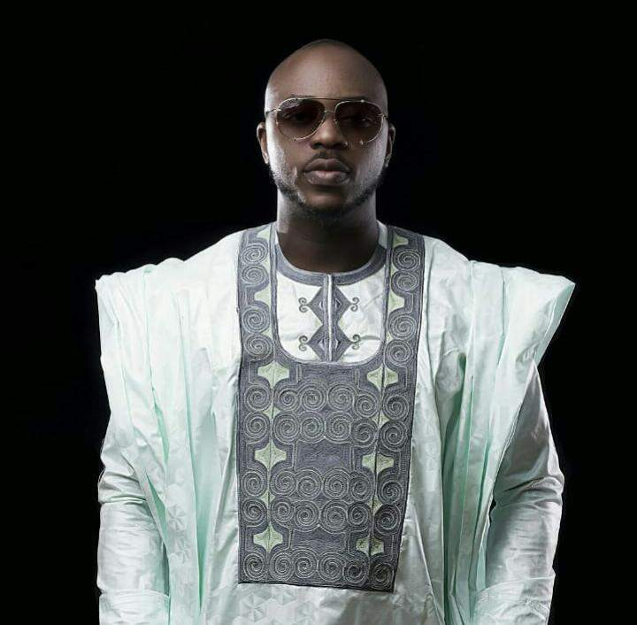 Musique Togolaise: Masta Just du groupe Toofan en 6 Looks